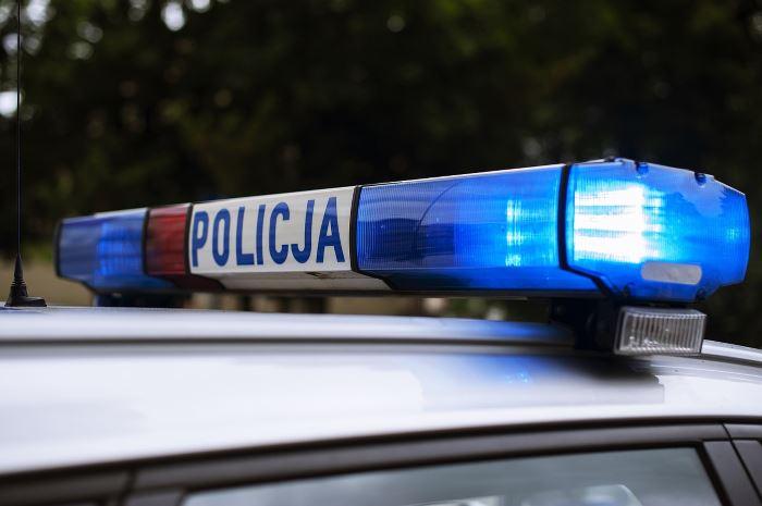 Policja Pabianice: KASKADA - Zamiast ostrzegać światłami przed policją - zdejmij nogę z gazu!