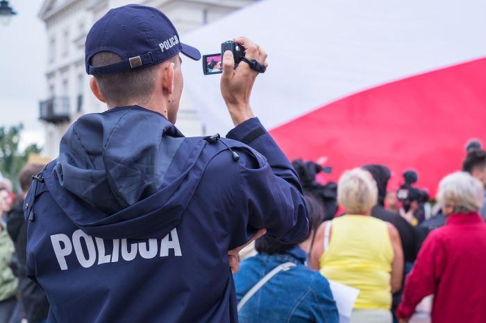 """Policja Pabianice: Kampania """"Stop włamaniom do domów"""""""