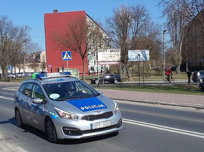 Policja Pabianice: Próbował włamać się do sklepu – został zatrzymany